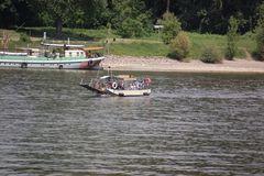 Fähre Krokodil bei der Rheinüberquerung. Bei richtigem Wellengang ein Super Genuss!