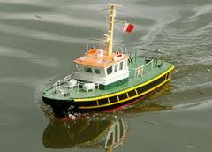 BLUE TOON Lotsenboot - gehört meinem Sohn Michael und ist ein Planbau 1:24