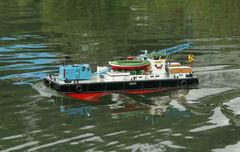 Kranbarge Otter - Schaufahren am 21.06.2009 in Mönchengladbach (ganz schön fix unterwegs :-) )